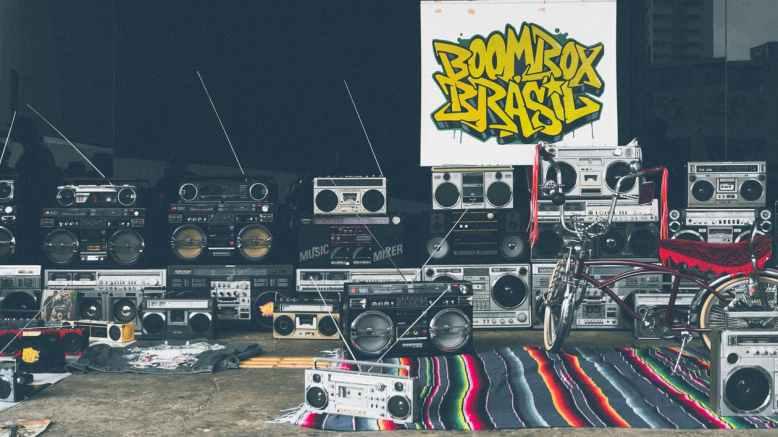 live dj producer speakers music